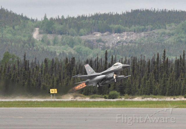Lockheed F-16 Fighting Falcon (J630) - Taking off runway 26