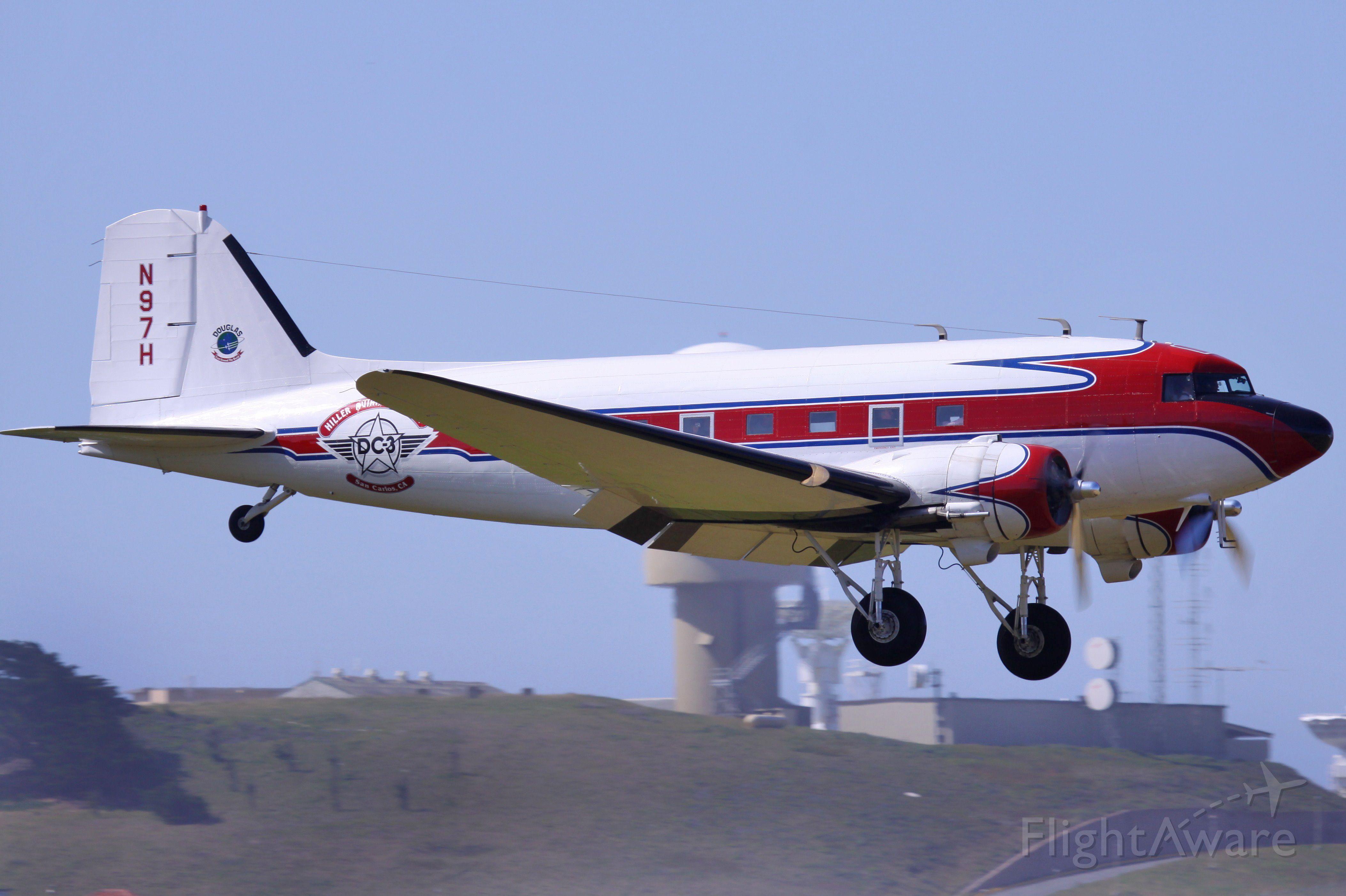 Douglas DC-3 (N97H)