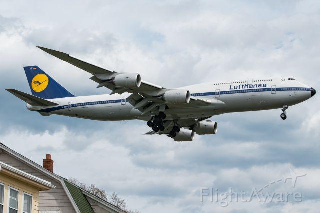 BOEING 747-8 (D-ABYT)