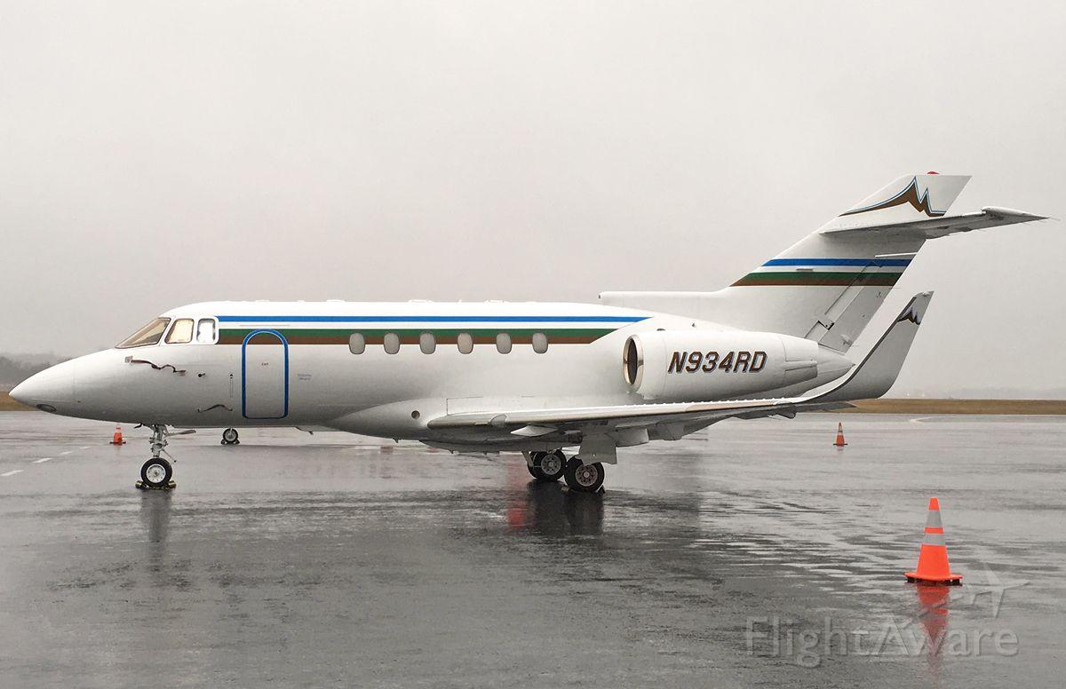 Raytheon Hawker 800 (N934RD) - 2nd upload of N934RD 04/04/17 KBOS Logan