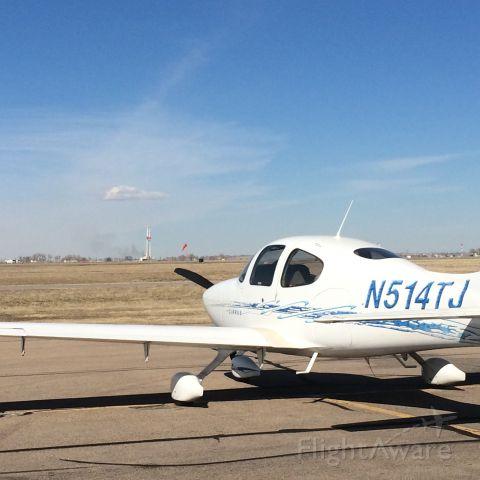 Cirrus SR-20 (N514TJ)