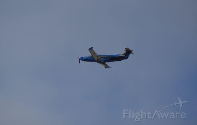 Pilatus PC-12 (N95GE) - Takeoff from KLAX.