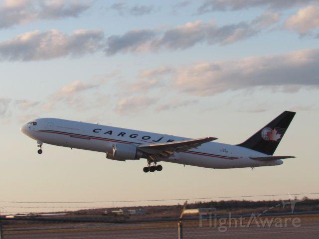 BOEING 767-300 (C-GVIJ)