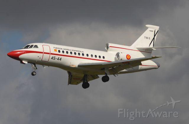 Dassault Falcon 900 (T185) - 05/03/2014br /Landing 27br /Aeronave Militar Espanola