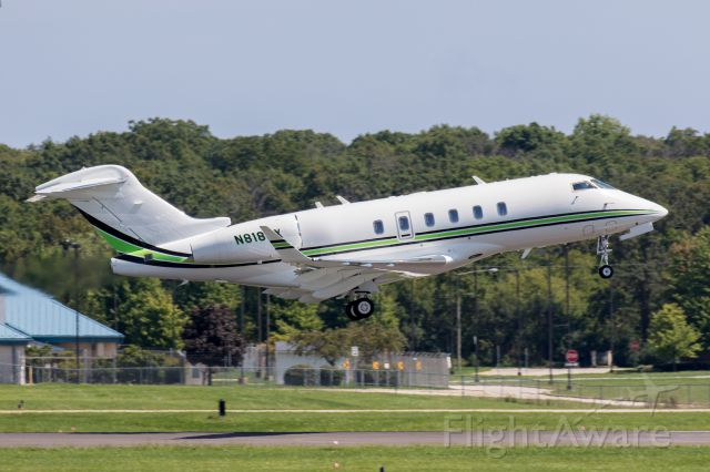 Bombardier Challenger 300 (N818NX) - Taking off from Chicago Executive