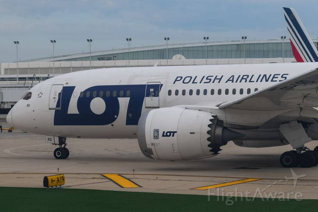 Boeing 787-8 (SP-LRD) - LOT B787-8 taxiing out for departure back to Warsaw