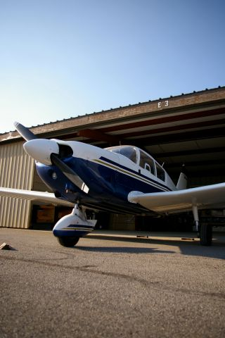 Piper Cherokee (N8202W)