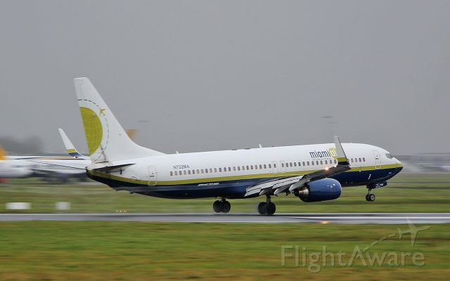 Boeing 737-800 (N732MA) - miami air b737-8 n732ma landing at shannon 14/11/17.