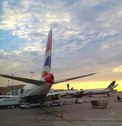 Boeing 747-200 — - Our gate neighbor during a gorgeous Phoenix sunset!