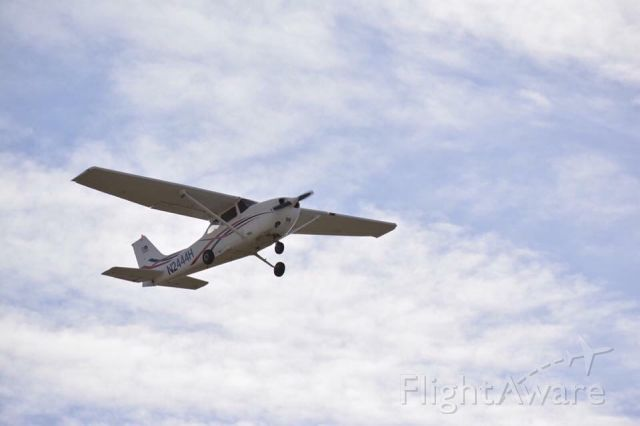 Cessna Skyhawk (N2444H) - Hesston College Skyhawk taking off for a mountain flying course at KRTN over the weekend.