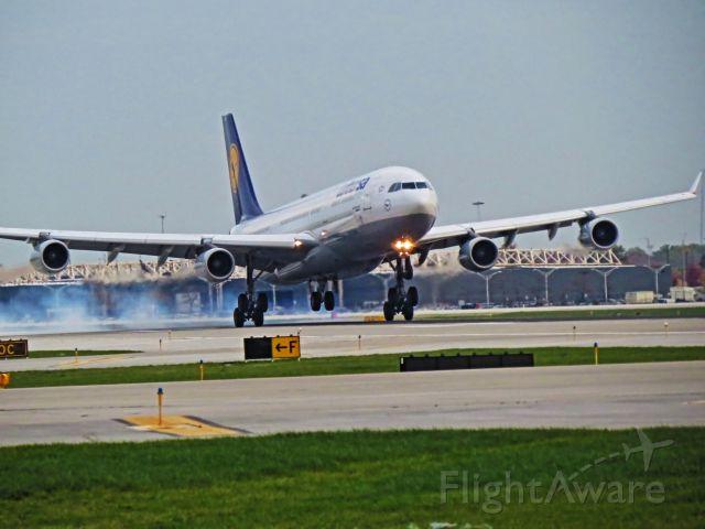 Airbus A340-300 (D-AIGW)