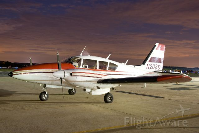Piper Apache (N208D) - N208D  Piper PA-23-250 Aztec  KFDK  20110815