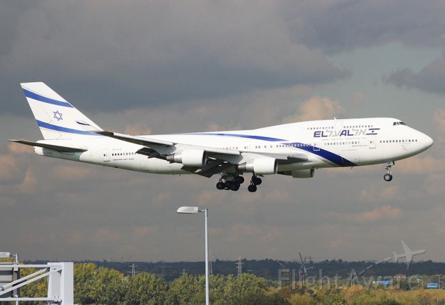 Boeing 747-400 (4X-ELD)