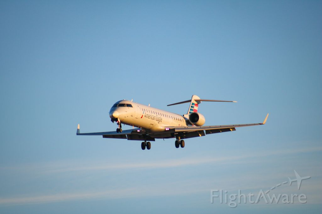 Canadair Regional Jet CRJ-700 — - Coming in from KLAX.