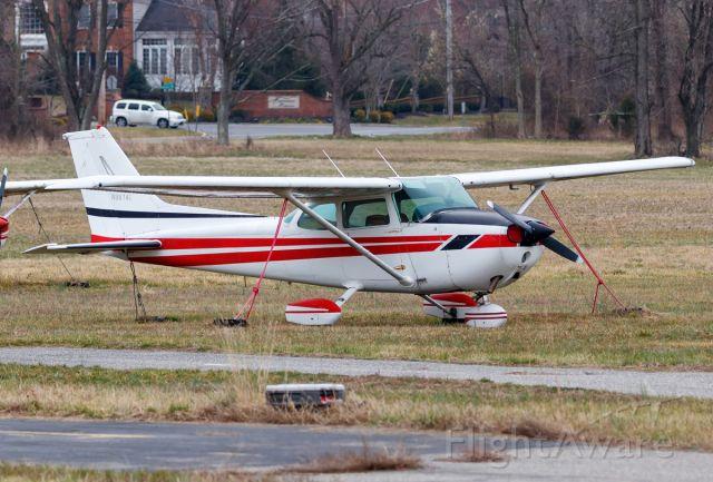 Cessna Skyhawk (N9874E)