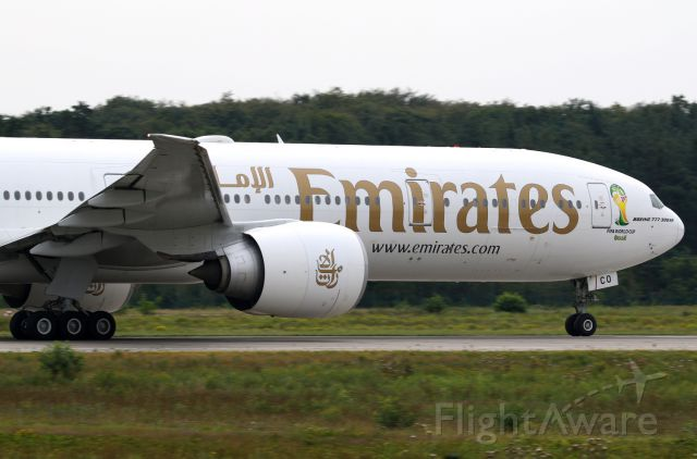 BOEING 777-300ER (A6-ECO)