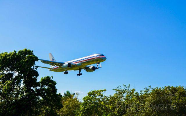 Boeing 757-200 (N676AN) - B752 IN FINAL APP AT MDPP!
