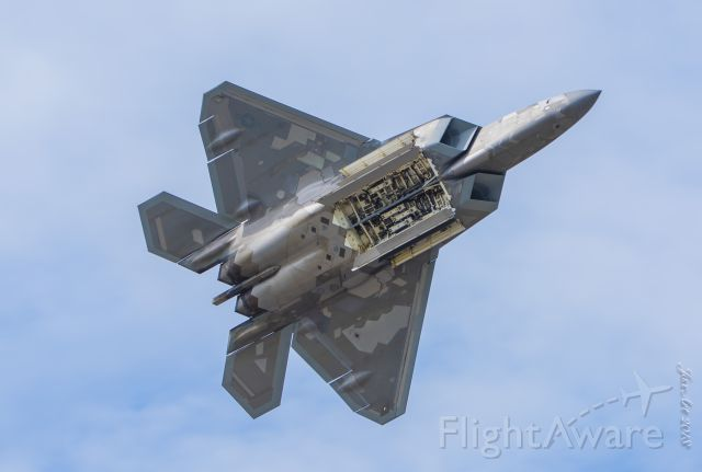 Lockheed F-22 Raptor (UNKNOWN) - Open bay flyover......