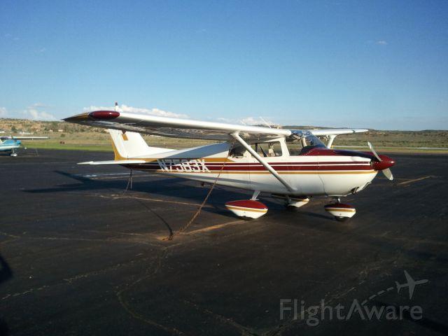 Cessna Skyhawk (N7583X)