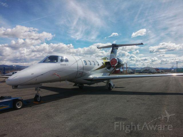 Embraer Phenom 300 (N43RC)