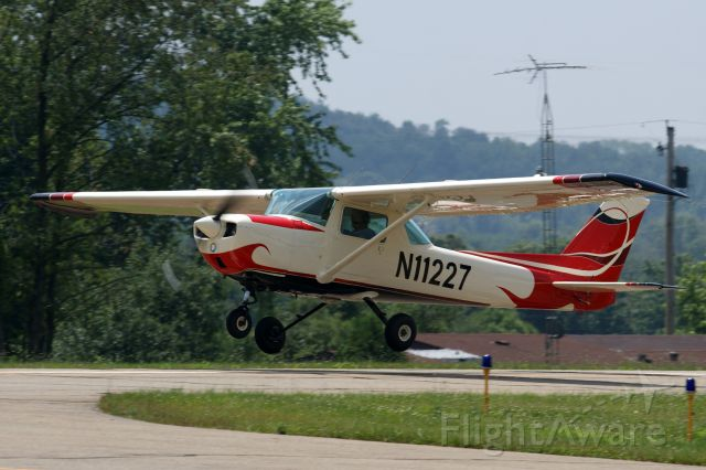 Cessna Commuter (N11227)
