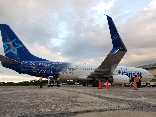 Boeing 737-700 (C-GTQG)