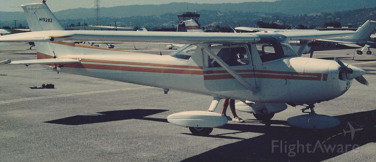 Cessna Commuter (N19282) - Cessna N19282 being readied for takeoff from San Carlos Airport in the San Francisco Bay Area