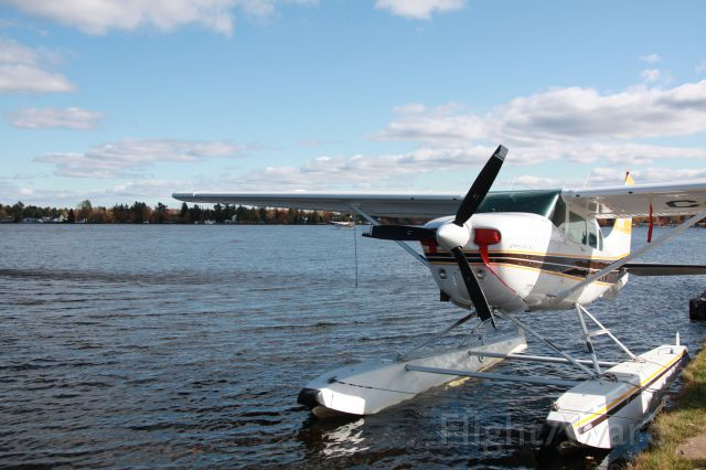 Cessna 206 Stationair (C-GSJI) - CESSNA 206 Lac à la Tortue (Québec)