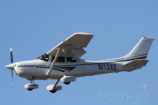 Cessna Skylane (N12EE) - Landing at Flagstaff Pulliam Airport, November 2 2018.