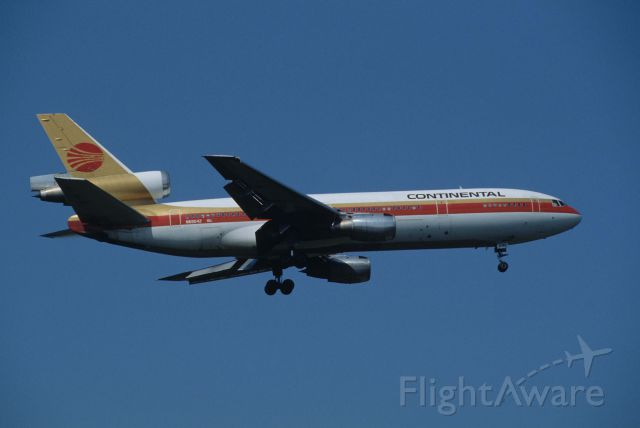 McDonnell Douglas DC-10 (N68042) - Final Approach to Narita Intl Airport Rwy34 on 1993/05/16