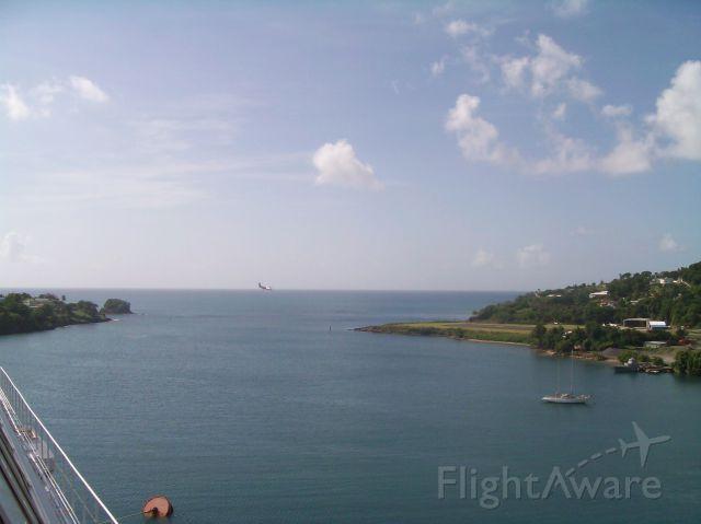 — — - LIAT air Dash-8 into St Lucia