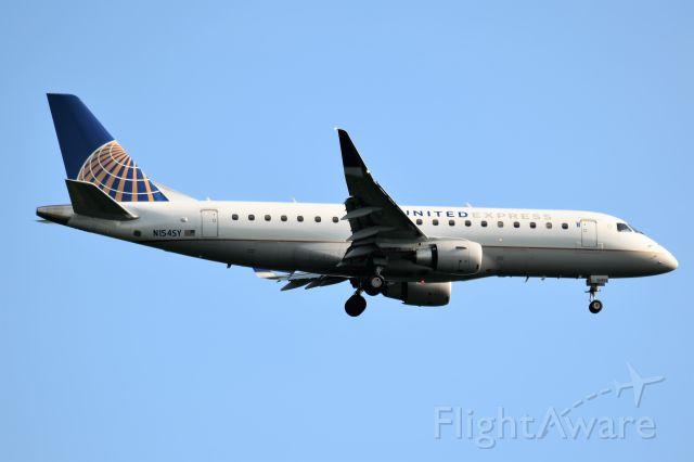 Embraer 170/175 (N154SY)