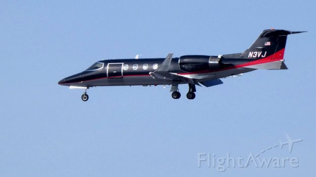 Learjet 31 (N3VJ) - On final is this 1991 Learjet 31A in the Winter of 2019... Currently configured for Medevac service in the Winter of 2019.