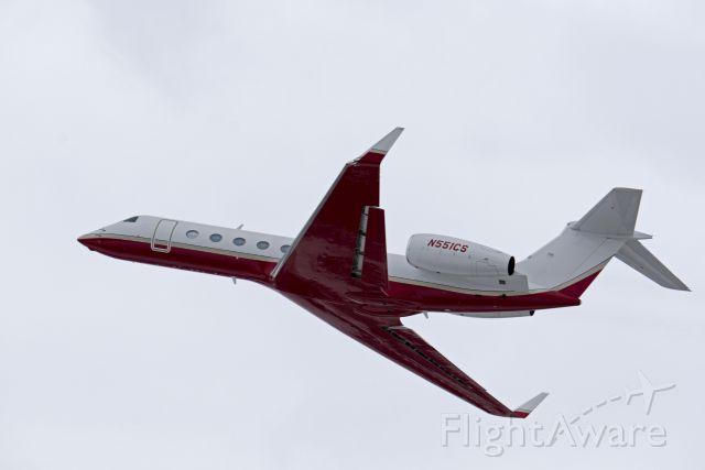 Gulfstream Aerospace Gulfstream V (N551CS) - airport perimeter road
