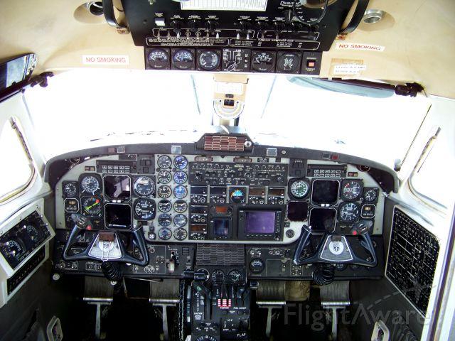 Beechcraft 1900 (N139ZV) - Beech 1900D