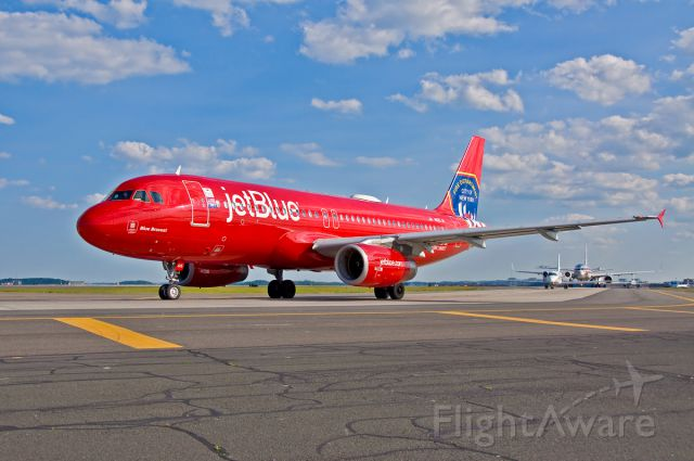 Airbus A320 (N615JB) - Blue Bravest NYFD A320 special !