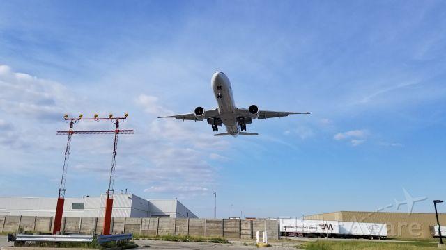Airbus A330-300 (B-2049)