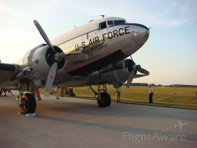 Douglas DC-3 (N8704) - On the ground in Sheboygan with a broken engine