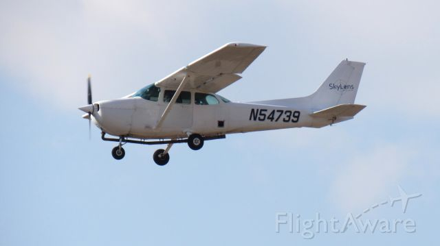 N54739 — - Final Approach Runway 18