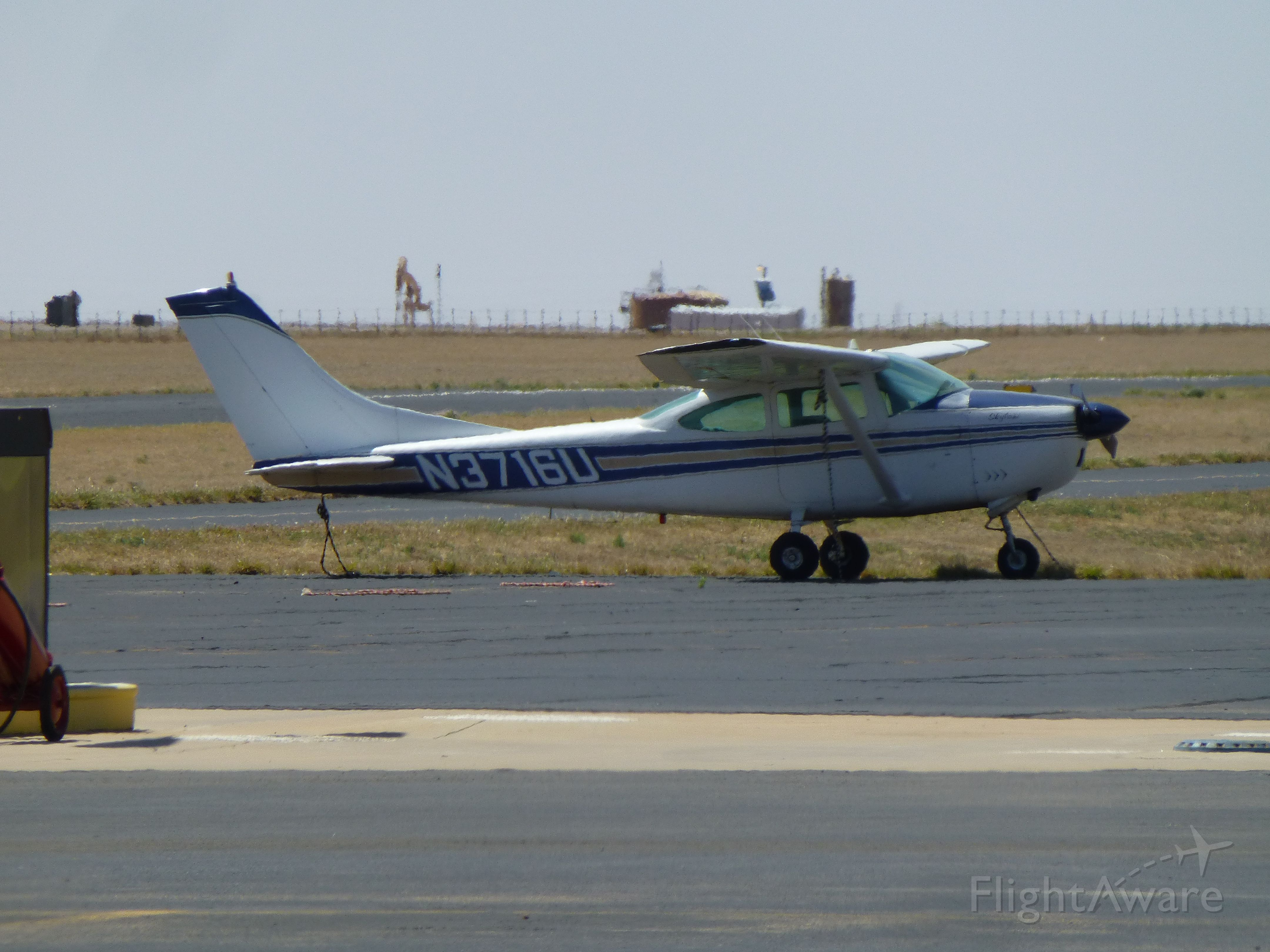 Cessna Skyhawk (N3716U)