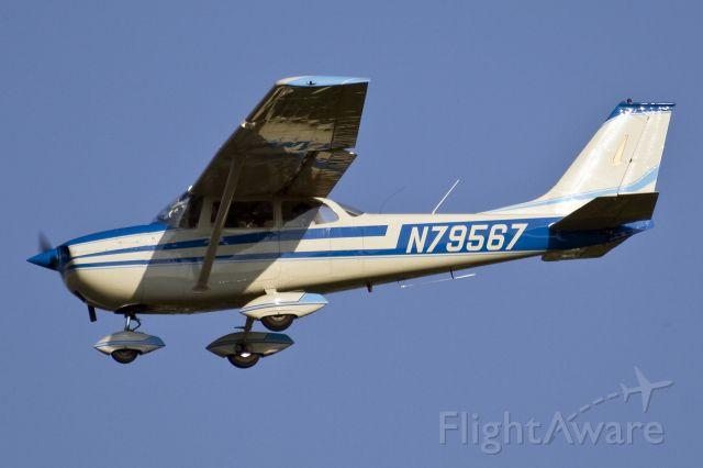 Cessna Skyhawk (N79567) - Landing runway 36, second touch and go!