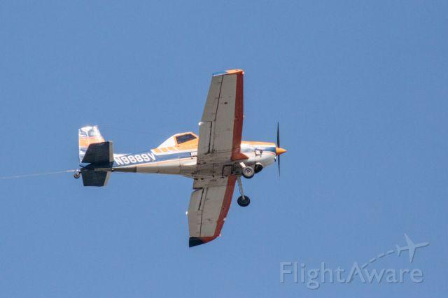 Cessna 152 (N9889V)