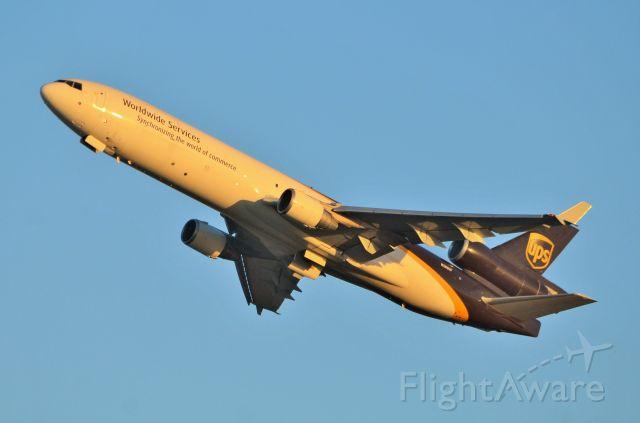 Boeing MD-11 (N280UP) - Sydney evening departure for UPS