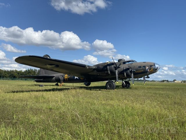 Boeing B-17 Flying Fortress (12-4485) - B-17 Memphis Bell from the movie.