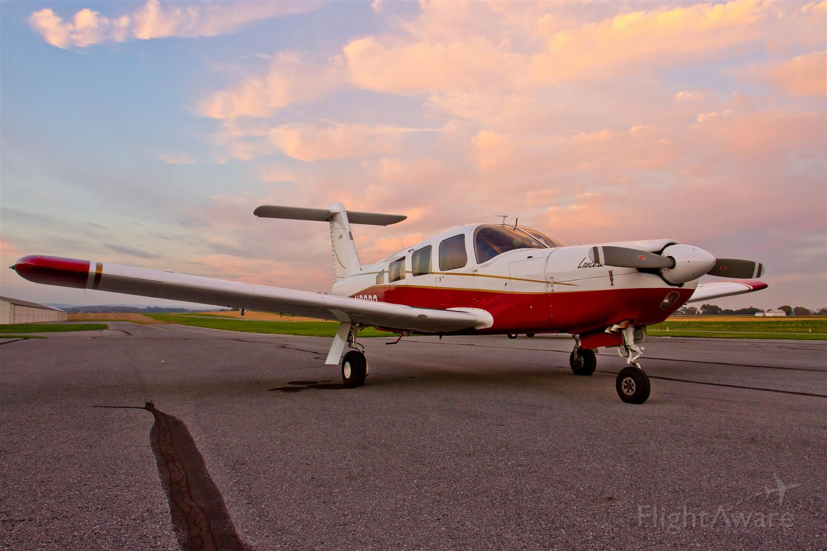 Piper Lance 2 (N33PS)