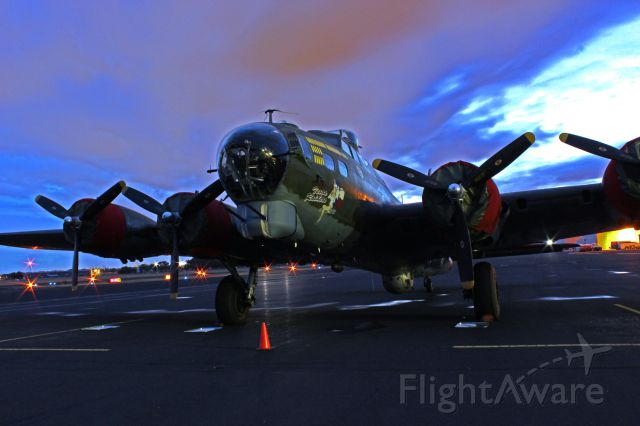 Boeing B-17 Flying Fortress (48-3872)
