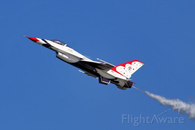 Lockheed F-16 Fighting Falcon — - Slow speed, high AOA pass @ Daytona Beach Wings & Waves Airshow 2012.
