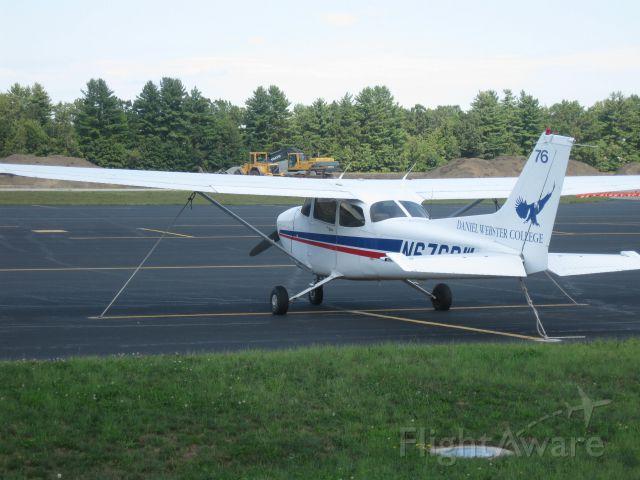 Cessna Skyhawk (N676DW) - Parked by Daniel Webster Colleges Aviation Center.