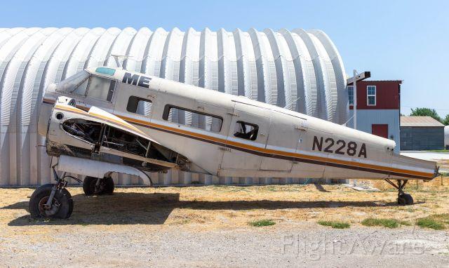 Beechcraft 18 (N228A)
