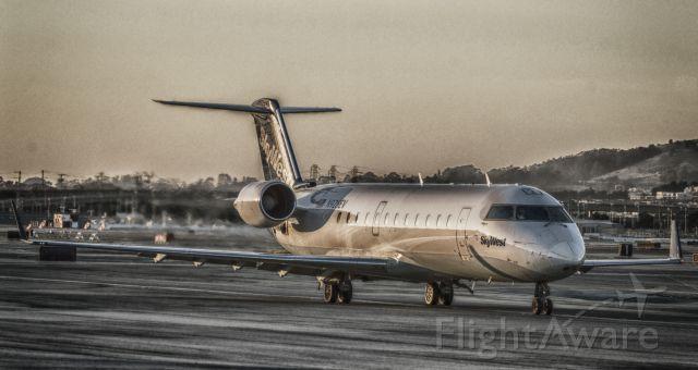 Canadair Regional Jet CRJ-200 (N928EV)